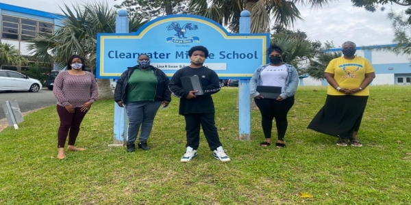 L&G Re's Lighthouse Connect Delivers 50 Laptops To Students, Appeals For Donors To Join Efforts